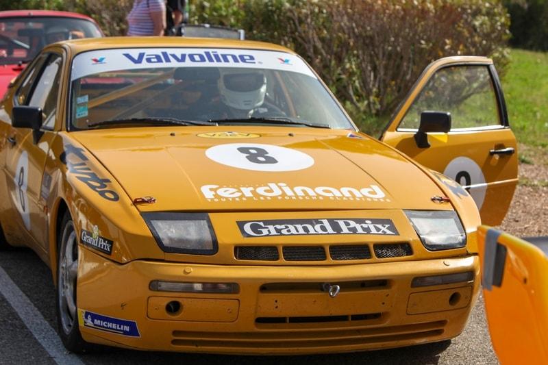 La Porsche 9444 turbo jaune des vainqueurs Thierry Hamon et Stéphane Enout