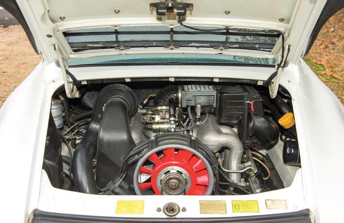 compartiment moteur de la 911 3,2 blanche