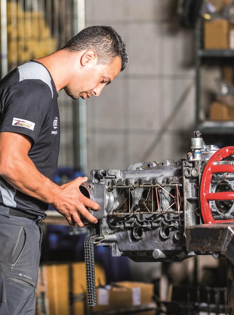 Remontage d'un cylindre sur moteur 964 RS par André Caruso