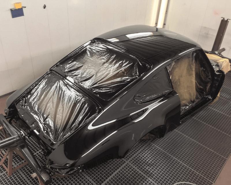 arrière de la coque de 911 nue noire vernie