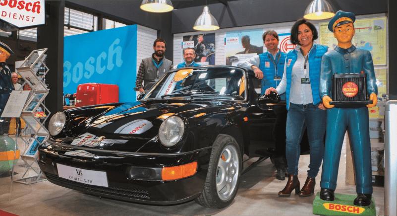 Porsche 964 RS noire à rétromobile