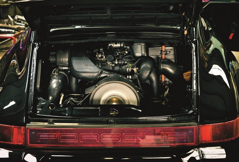 le moteur dans son compartiment